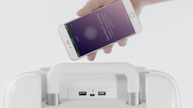 Charge Your iOS Device While You Travel With Hi-Tech Raden Luggage