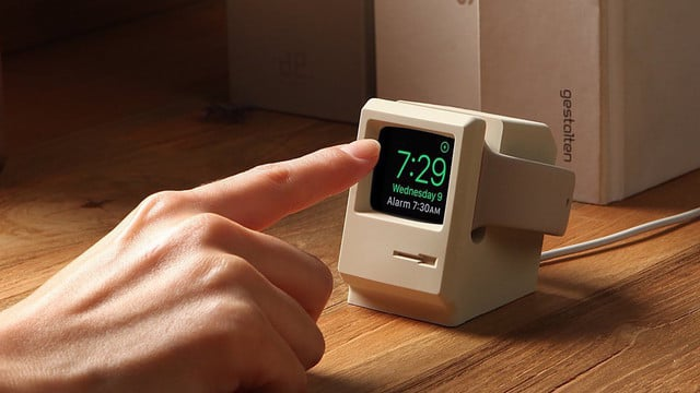 Vintage Mac Charging Stand is a Cooler Way to Charge Your Apple Watch